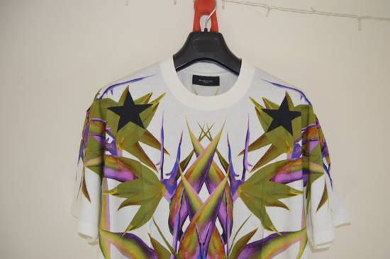 Givenchy White Birds of Paradise T-shirt Size US L / EU 52-54 / 3 - 8