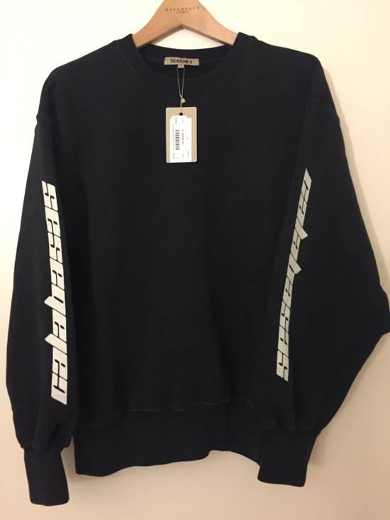 23eef8d61 Kanye West Yeezy Boxy Calabasas Crewneck Sweater Black White Size US S   EU  44- ...