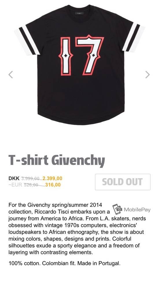 Givenchy Pervert 17 T-shirt Size US M / EU 48-50 / 2 - 3
