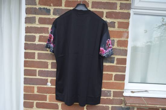 Givenchy Floral Rottweiler Sleeves T-shirt Size US M / EU 48-50 / 2 - 6