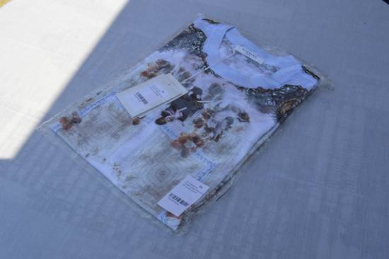 Givenchy Baby Blue Madonna T-shirt Size US XS / EU 42 / 0 - 9