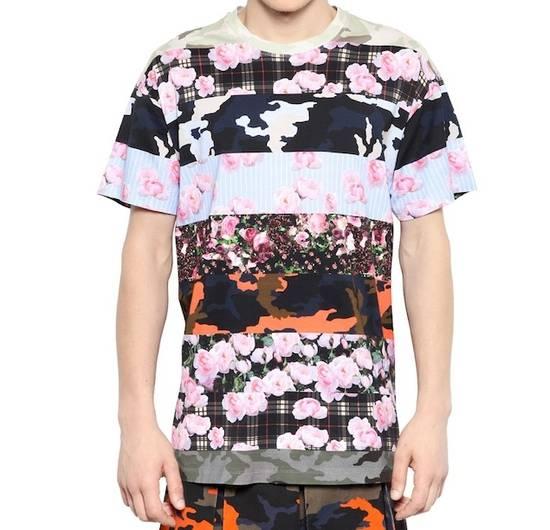 Givenchy Camo Floral Paneled Tee Size US S / EU 44-46 / 1 - 11