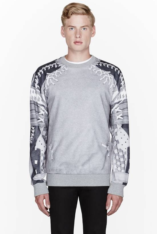 Givenchy Iconic Football Net Graphic Sweatshirt Size US L / EU 52-54 / 3