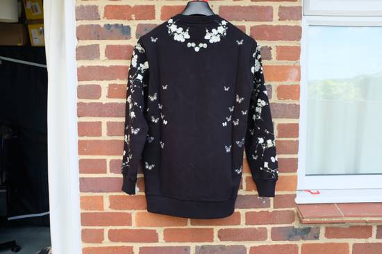 Givenchy Madonna and Child Baby's Breath Sweater Size US S / EU 44-46 / 1 - 7