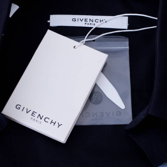 Givenchy 835$ Slim Fit Black Cotton Shark Printed Shirt Size US S / EU 44-46 / 1 - 7