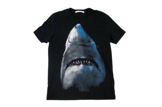 Givenchy Shark Shirt Size US S / EU 44-46 / 1 - 4