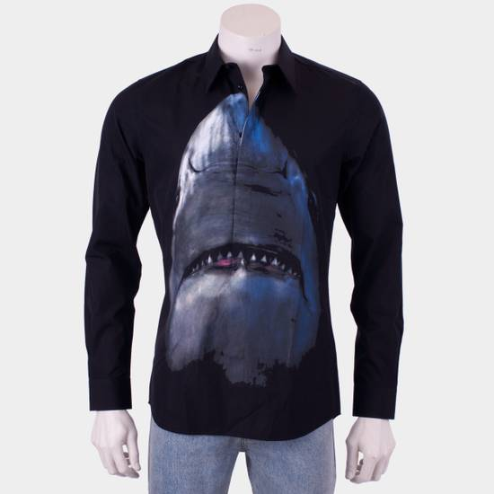 Givenchy 835$ Slim Fit Black Cotton Shark Printed Shirt Size US S / EU 44-46 / 1