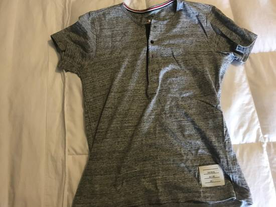 Thom Browne Thom Browne Grey Henley Cotton T-shirt with Grey Grosgrain Size US S / EU 44-46 / 1