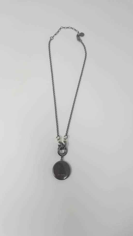 Givenchy Logo necklace doble sided Size ONE SIZE - 10