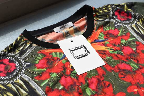 Givenchy Givenchy Birds of Paradise print T-Shirt Size US XS / EU 42 / 0 - 1