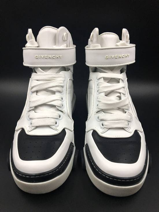 Givenchy Givenchy Black & White Tyson Style Sneakers Size US 8 / EU 41 - 6