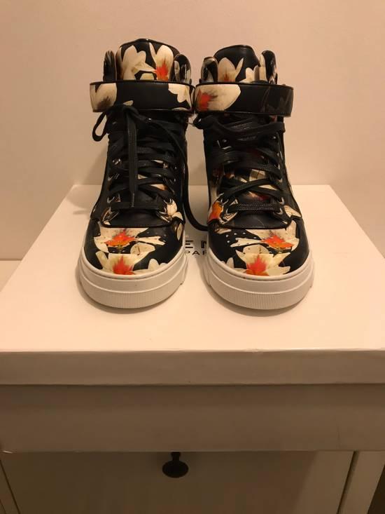 Givenchy Tyson Size US 6 / EU 39 - 3