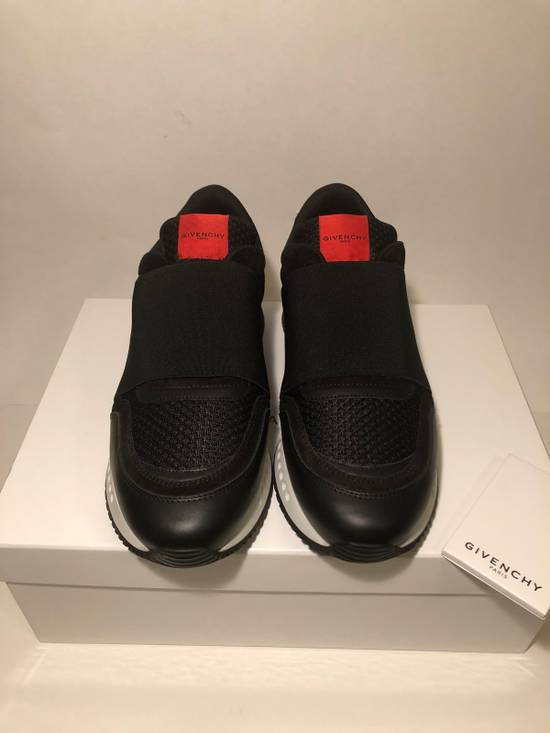 Givenchy GIVENCHY ELASTIC RACE RUNNER LOW TOP NEW Size US 7 / EU 40 - 1