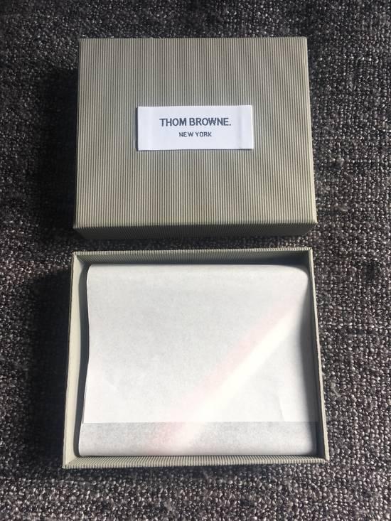 Thom Browne Money Clip Wallet Diagonal RWB Stripe in Pebble Grain + Calf leather Size ONE SIZE - 1