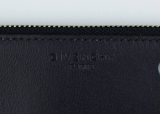 Givenchy Black Leather Star Athlete Medium Zip Pouch Bag Size ONE SIZE - 4