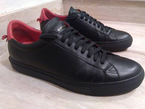 Givenchy Men's Black Urban Knots Leather Sneakers Size US 9.5 / EU 42-43