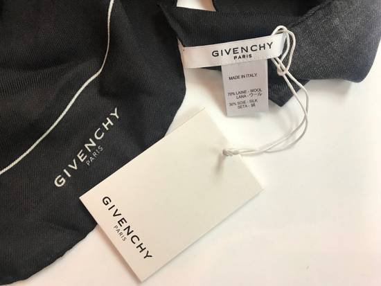 Givenchy Givenchy Singnature Foulard, Scarf Monkey Brothers in Black Size ONE SIZE - 3