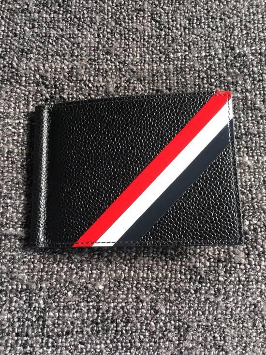 Thom Browne Money Clip Wallet Diagonal RWB Stripe in Pebble Grain + Calf leather Size ONE SIZE