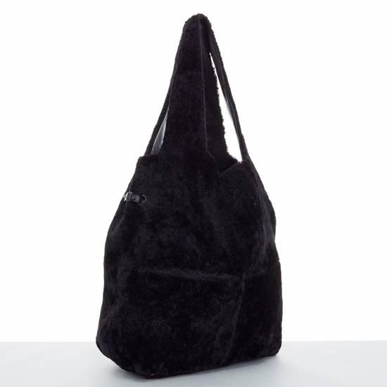 Givenchy GIVENCHY TISCI black reversible leather shearling fur oversize hobo shoulder bag Size ONE SIZE - 4