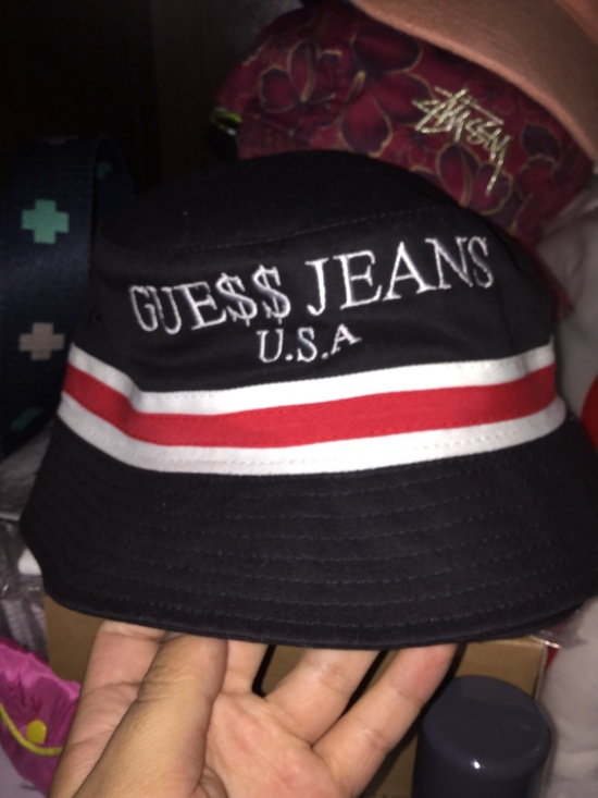 fa10a85f10f2a Guess Guess A AP Rocky Bucket Hat