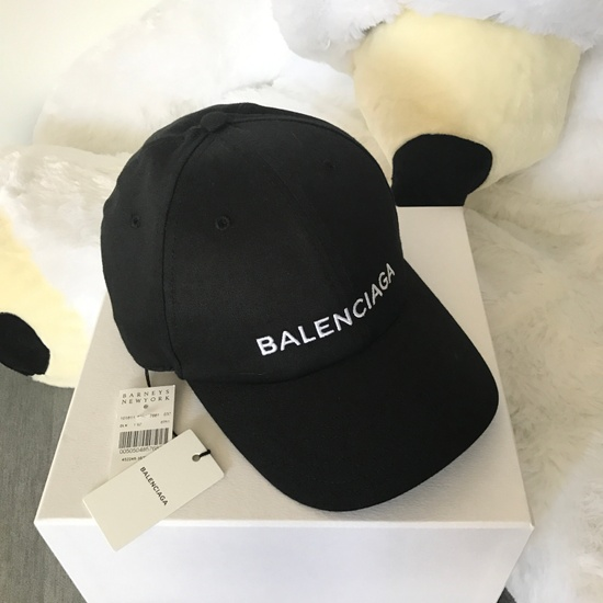 a63748ed639f8 Balenciaga Balenciaga Logo Cap Size one size - Hats for Sale - Grailed