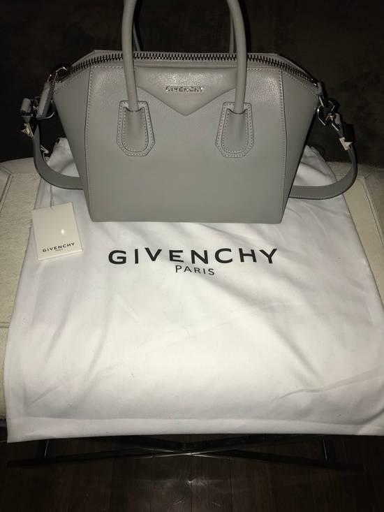 Givenchy Antigona Small Pearl Grey Size ONE SIZE