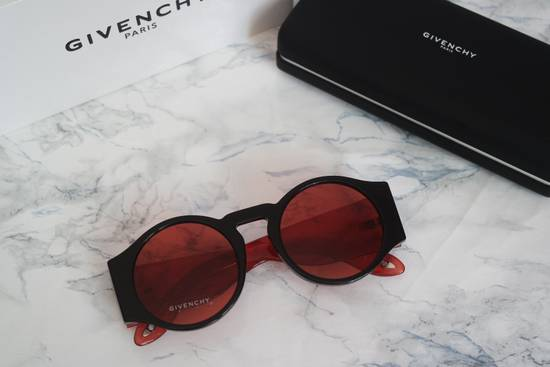 Givenchy NEW Givenchy GV 7056/S Black Red Tint Lens Circle Thick Rim Sunglasses Size ONE SIZE - 3
