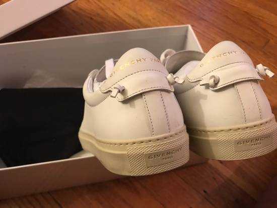Givenchy Givenchy Low top Sneakers Size US 6.5 / EU 39-40 - 1