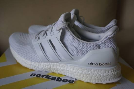 official photos bd1d2 07e3d Adidas Ultra Boost M 2.0 Triple White AQ5929