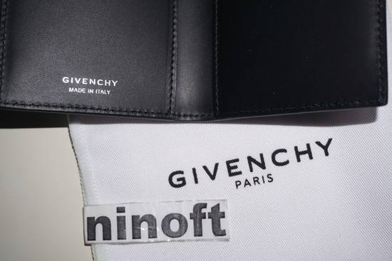 Givenchy Givenchy Metallic Trimmed Leather Card Holder Black Size ONE SIZE - 8