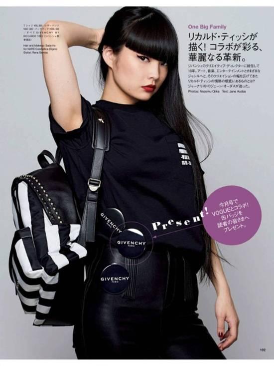 Givenchy [ FINAL BUMP ] Givenchy Logo Pin Badge Brooch Japan Limted Black Metal Size ONE SIZE - 2