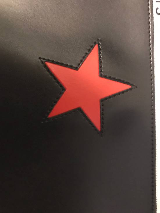 Givenchy Black Large Smooth Leather Pouch With Star Size ONE SIZE - 4