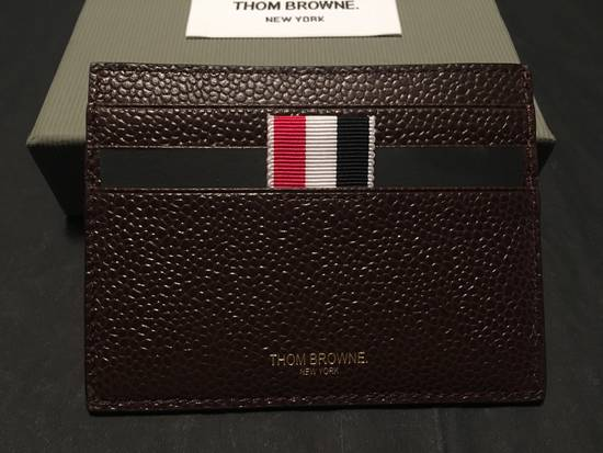 Thom Browne Card Holder w/Note Compartment in Dark Brown Pebble Leather Size ONE SIZE