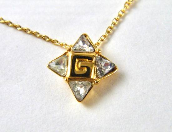Givenchy Givenchy G Pendant Crystal Star Gold Tone Chain Vintage Necklace Diamonds Size ONE SIZE
