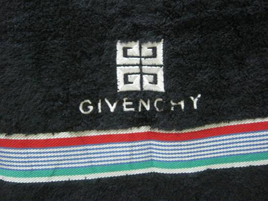 Givenchy WOW!!! WOW!!! WOW!!! NICE TO USE. GIVENCHY TOWEL. VERY CHEAP Size ONE SIZE - 1