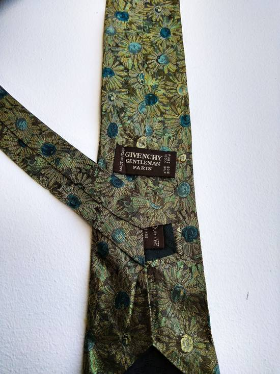 Givenchy LAST DAY DROP BEFORE DELETE THIS ITEM.. Givenchy Gentleman Paris 100% silk tie Size ONE SIZE