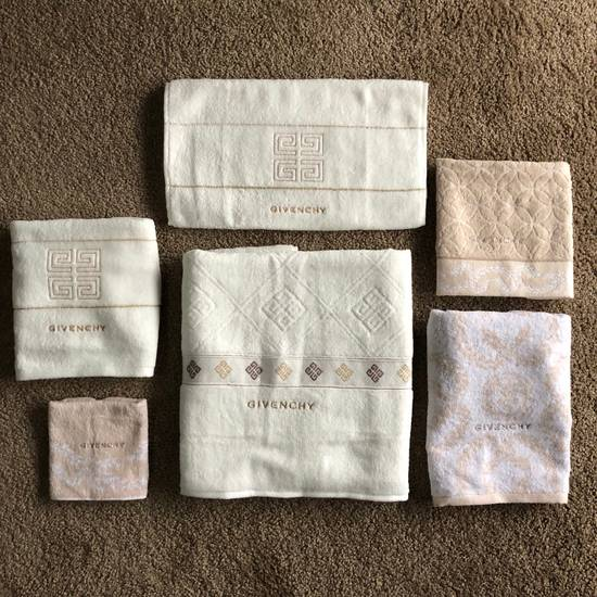 Givenchy Towel Set Size ONE SIZE