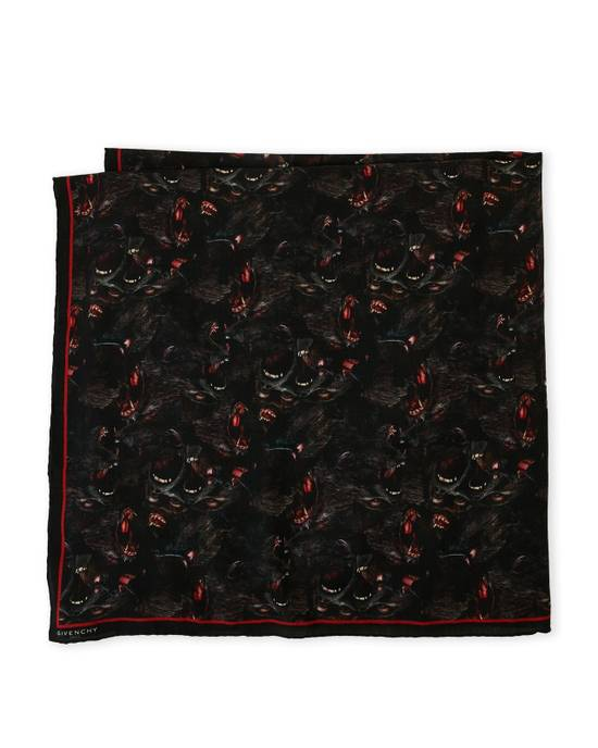 Givenchy monkey scarf Size ONE SIZE