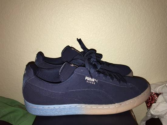 6c623ae6dcd0 ... Pink Dolphin Pink Dolphin Puma Suede Classic Size US 11   EU 44 - 2 ...