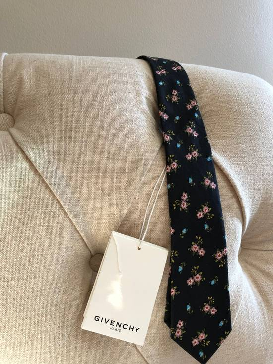 Givenchy Givenchy Tie Size ONE SIZE