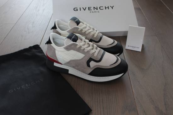 Givenchy Givenchy Runners Light Grey Size US 6 / EU 39