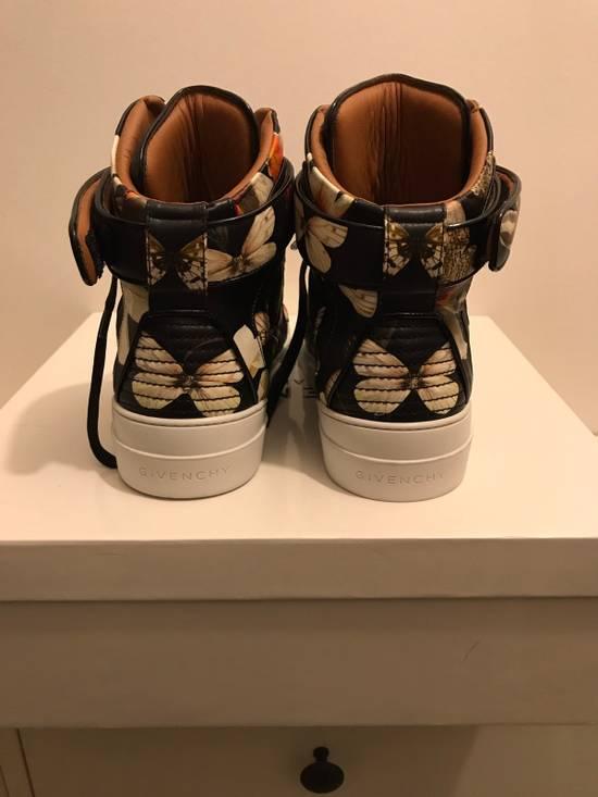 Givenchy Tyson Size US 6 / EU 39 - 2