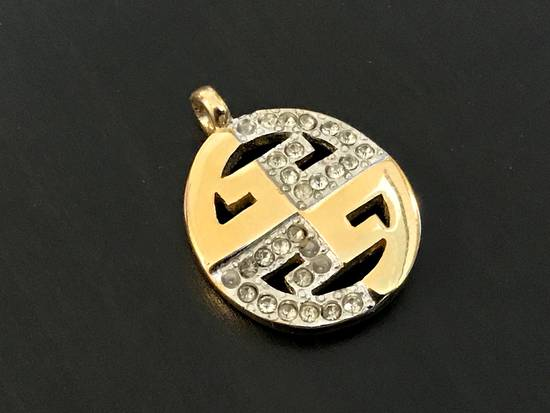 Givenchy Final Price* Iced Out Pendant Size ONE SIZE
