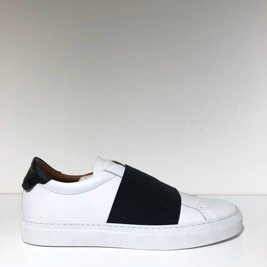 Givenchy Elastic Strap White Black Low Top Sneakers NIB Size US 7 / EU 40 - 1