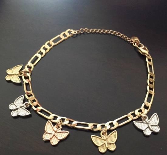 Unknown 14k gold butterfly charm bracelet Size ONE SIZE