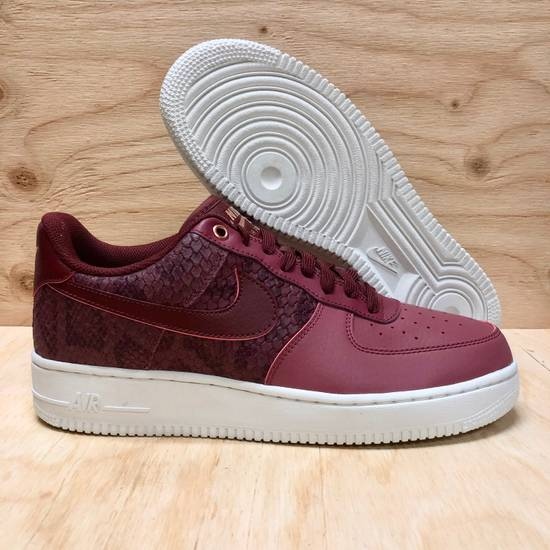 more photos fb372 52308 ... Nike 2017 Nike AF1  07 LV8 Port Red Wine Snakeskin Air Force 1 Low Size  ...