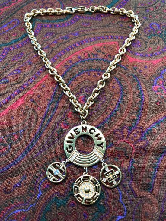 Givenchy Oversized Dangling Amulet Choker Size ONE SIZE