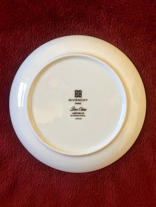 Givenchy Plate Size ONE SIZE - 1