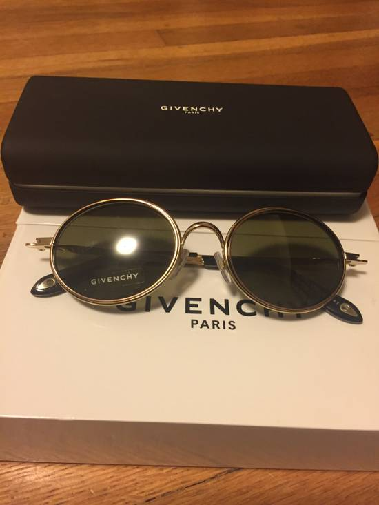 Givenchy GV 7052-S Sunglasses Size ONE SIZE
