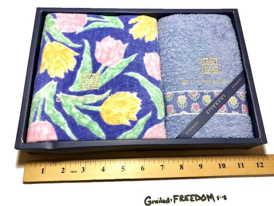 Givenchy Hand Towel Set Size ONE SIZE - 2